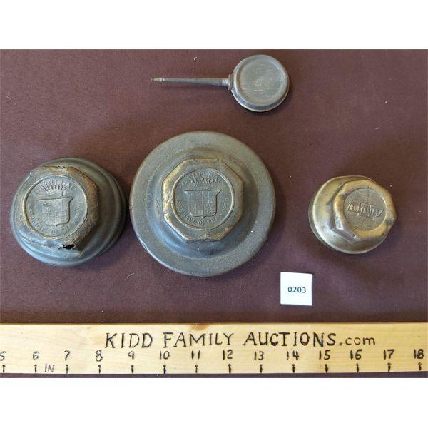LOT OF 4 - 2 X CADILLAC & 1 X CHEV RAD CAPS & MINI OILER
