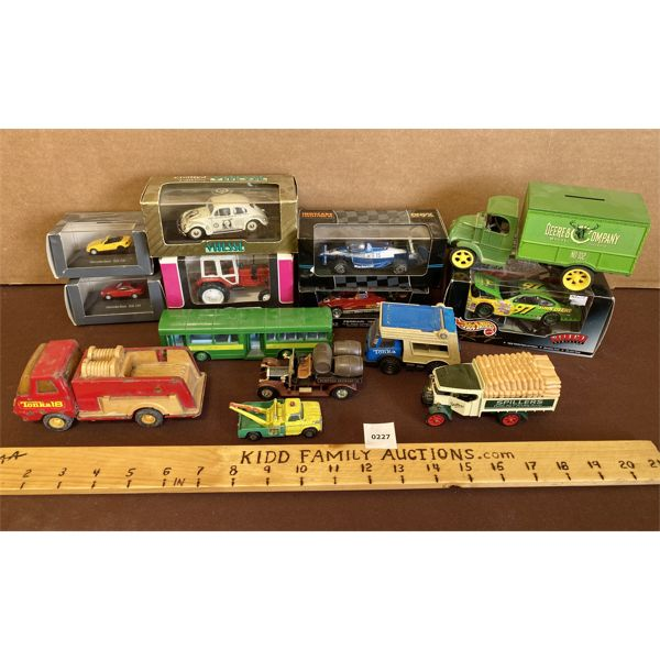 LOT OF 14 ASSORTED DIECAST VEHICLES