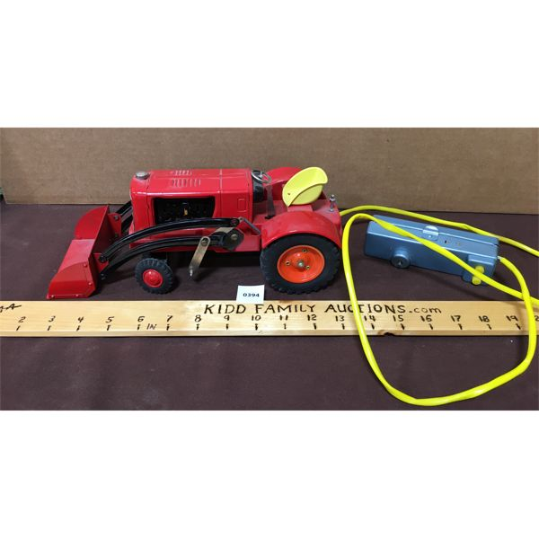 TIN R/C TRACTOR - BATTERY POWERED
