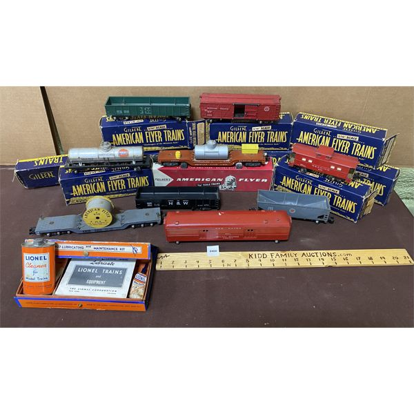 LOT OF TRAIN CARS - AMERIACN FLYER W/ BOXES & LIONEL MAINTENNCE KIT