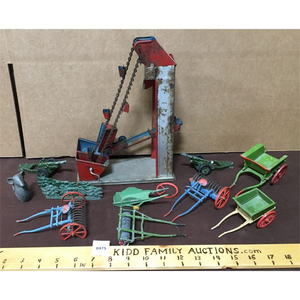 JOB LOT OF ASSORTED ANTIQUE TOYS