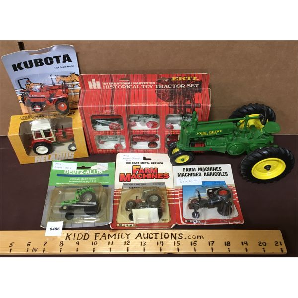 LOT OF DIECAST TOY TRACTORS