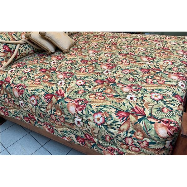 Tropical Floral Print Bed Coverlet for King-Size Mattress, Includes Pillows