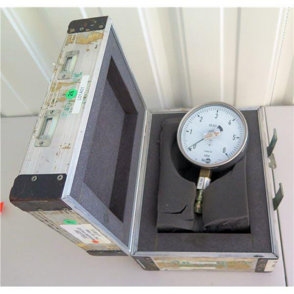 TecSis mbar Vacuum Pressure Gauge EN837-3 in Hard Case