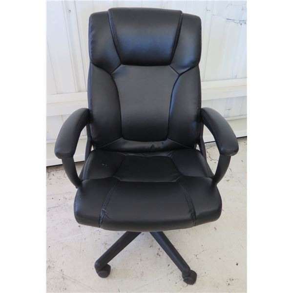 Global Furniture Black Rolling Executive Office Arm Chair