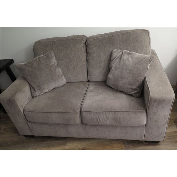 "Ashley Gray Plush 2 Seat Sofa Loveseat w/ 2 Cushions 82""x38""x32""H"
