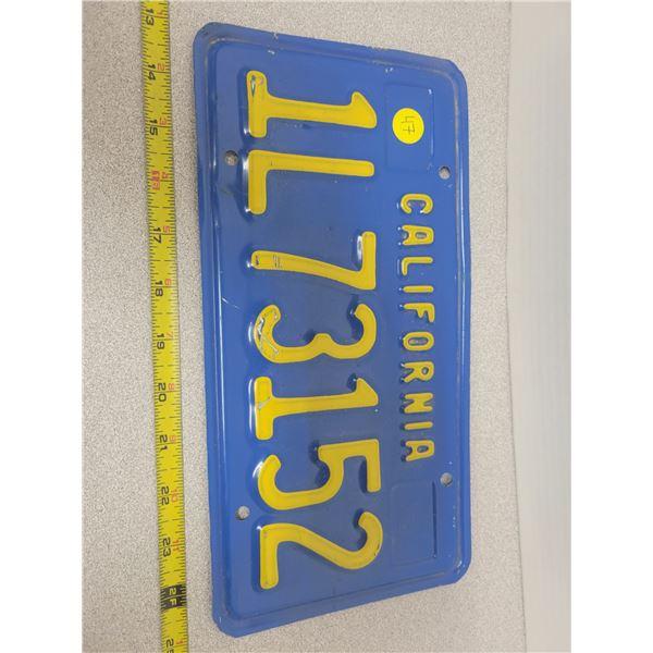 California IL73152 plate