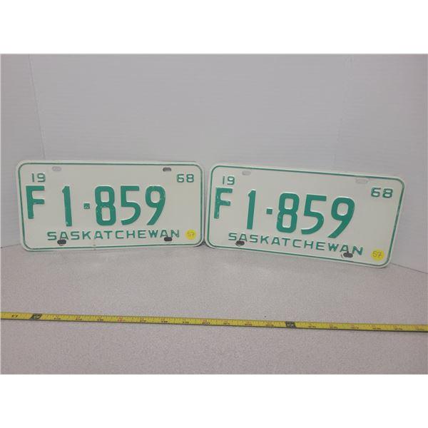 Pair of 1968 Sask plates F1-859