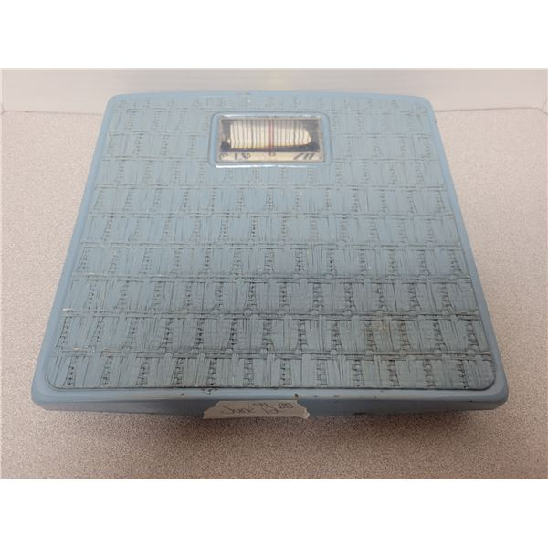 Vintage 1960's counselor bathroom scale bamboo blue