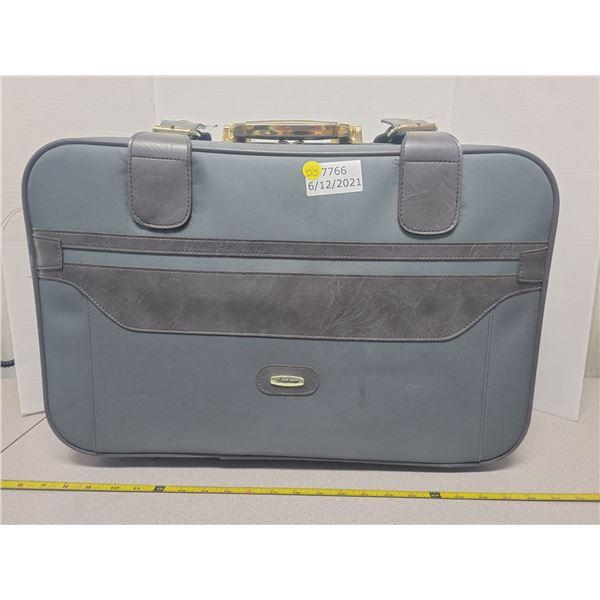 """80's Brentwood vinyl suitcase 22"""" X 14"""""""