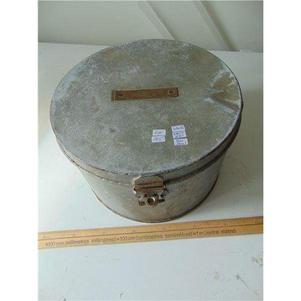 WW 2 STEEL NAVY HAT BOX WITH BRASS NAME PLATE JACKSON