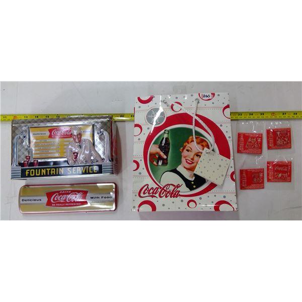 Coca Cola Lot - Gift Bag, 4 Pins, 1 Tin