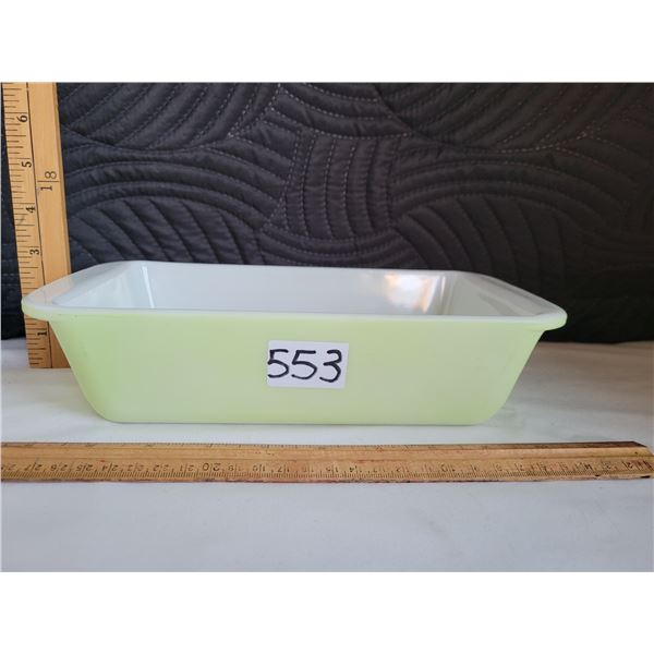 Rare vintage pyrex 1952-'60, reverse stamp loaf dish.This lime green only made in Canada.