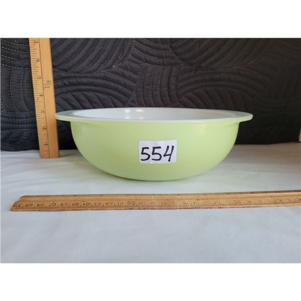 Vintage lime green pyrex 2 quart mixing bowl or casserole dish #024. Made in Canada.