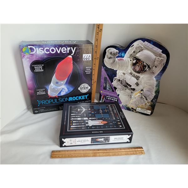 Smithsonian adventures in space kit, Discovery Rocket & Space travel 500 piece puzzle.