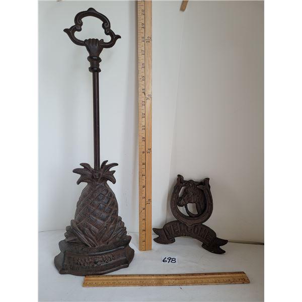 Cast iron pineapple door stop & Cast iron Welcome Horse & Shoe door knocker.