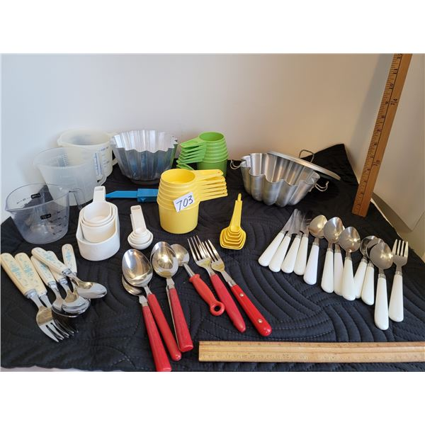 1970's Tupperware measuring cups & spoons, 1c measuring cups, metal jelly moulds & coloured cutlery.