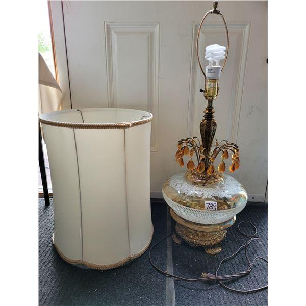 Vintage tri-light lamp. EK1972  light top, bottom, both.