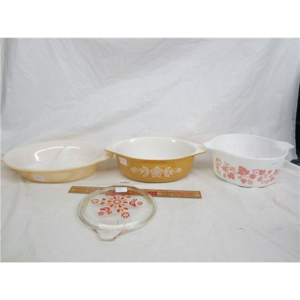 Lot of 3 Pyrex Dishes and 1 Fire King Divided Dish
