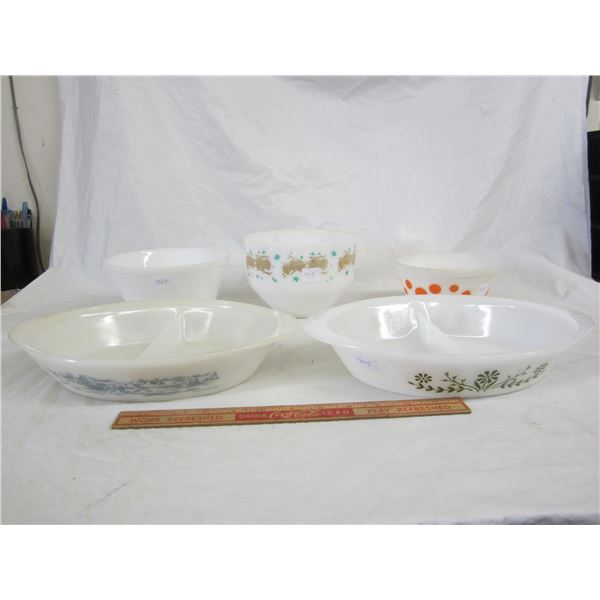 Lot of 5 Vintage Kitchen Ware 3 Federal and 2 Glass Bake