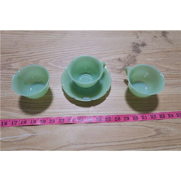 Anchor/Hocking Fire-King Tea Cups X3 and Saucers X2