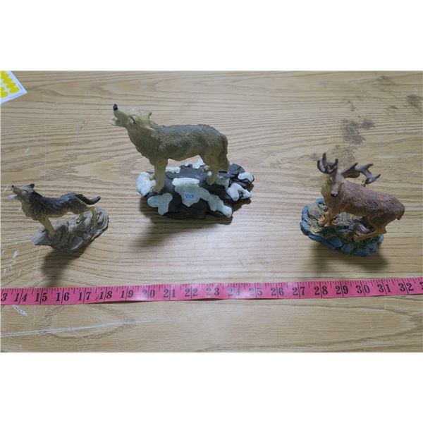 North American Wildlife Collection (Red Deer) and 2X wolf Statuettes