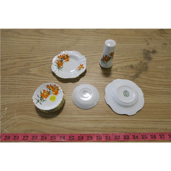Praie Lily Royal Windsor Bone China - Tiger Lily Design - 9 Piece - Shaker and 9 small dishes