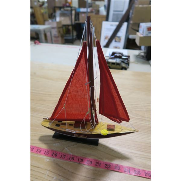 San Francisco Model Suvenier Boat