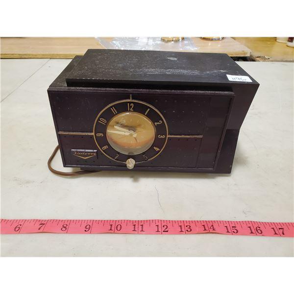 fleetwood clock radio