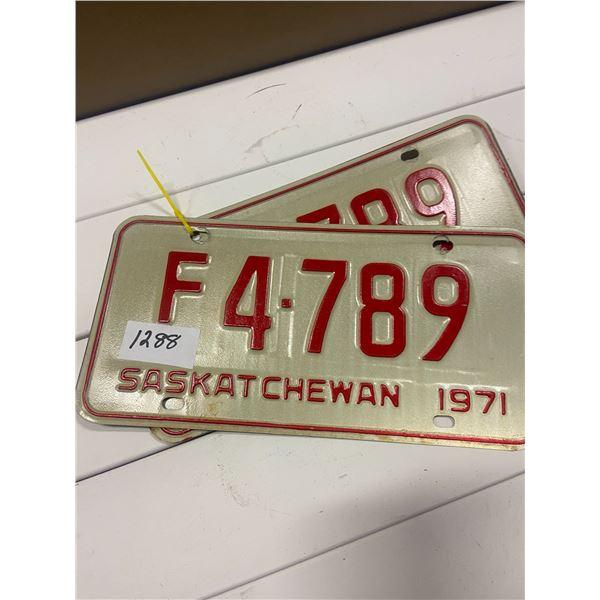 Pair of 1971 license plates