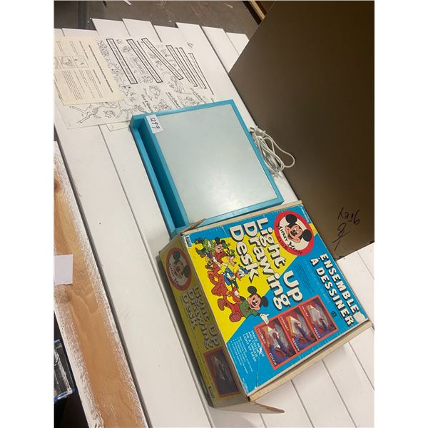 Light up drawing desk - Mickey Mouse Club