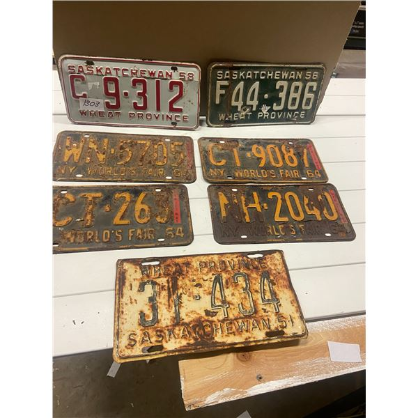 Lot of 1950's Saskatchewan plates & 4 1964 N.Y. Worlds fair plates