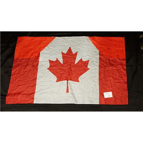 "Canada Flag Shirt 58""X35"""