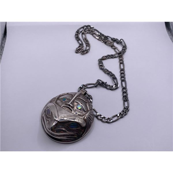 SILVER CHAIN WITH FROG PENDANT