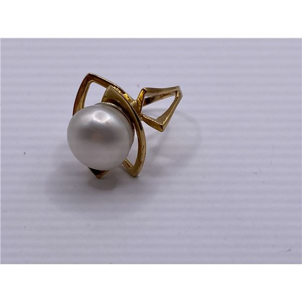 14K RING WITH PEARL