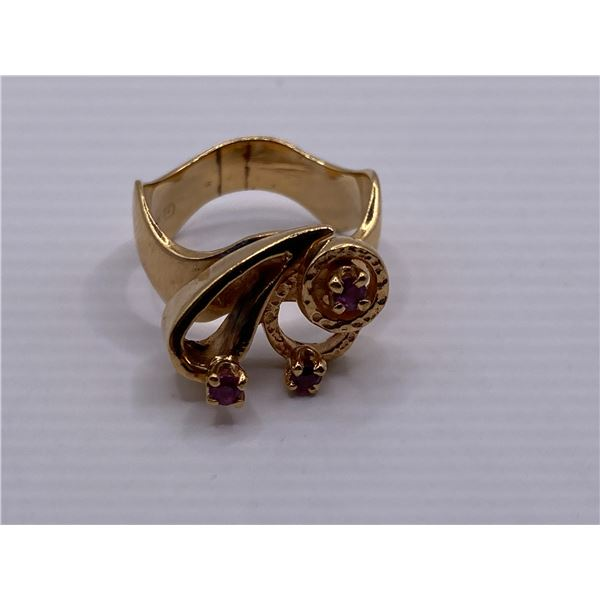 14K RING WITH RUBIES