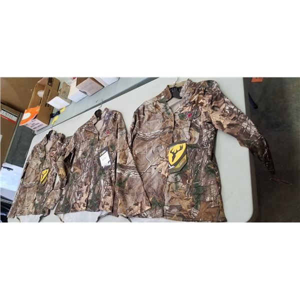 SMALL LONG SLEEVE LADIES QTY 3 RETAIL VALUE $225