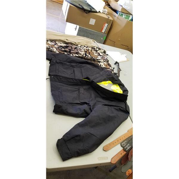 XXL CAMO PANTS, 40X32 PANTS, XL SAFETY JACKET