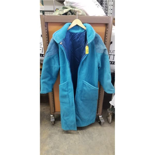 HAND CRAFTER WOMANS LARGE WOOL LINED JACKET