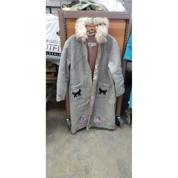 PURE VIRGIN WOOL LADIES SIZE 18 PARKA MADE BY INUVIK PARKA ENTERPRISE