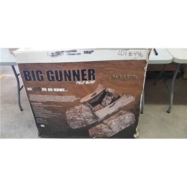 NEW BEAVERTAILBIG GUNNER LAYOUT BLIND RETAIL VALUE $400.00