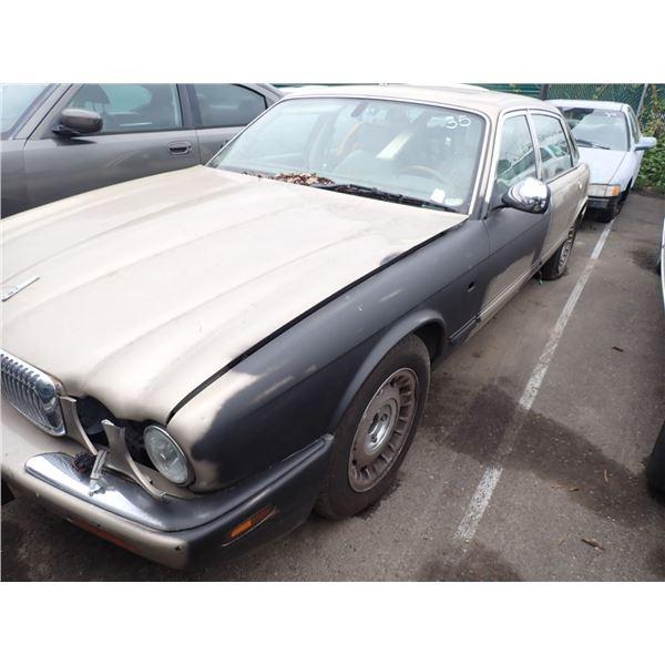 2000 Jaguar Vanden Plas
