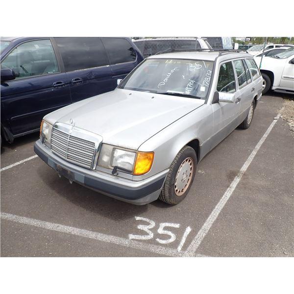 1992 Mercedes-Benz 300TE
