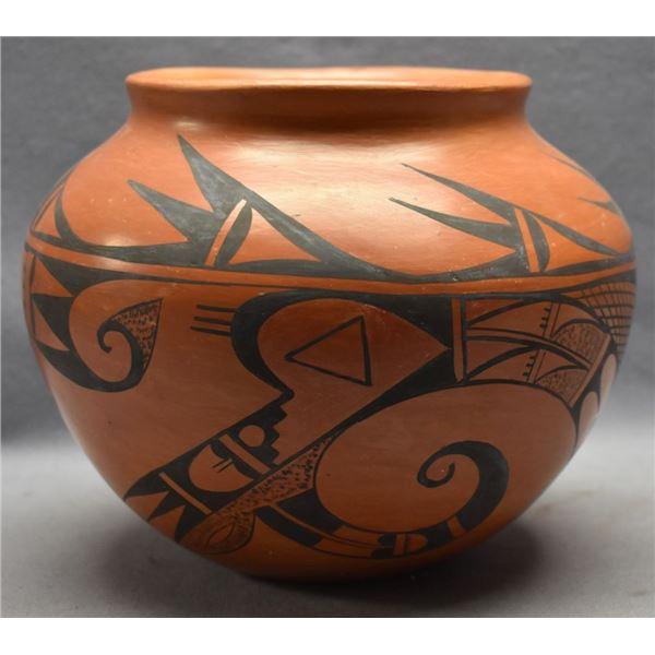 HOPI INDIAN POTTERY JAR ( VIVIAN MUMZEWA)