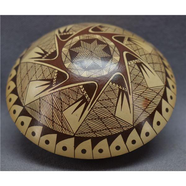 HOPI INDIAN POTTERY SEED JAR (NONA NAHA)