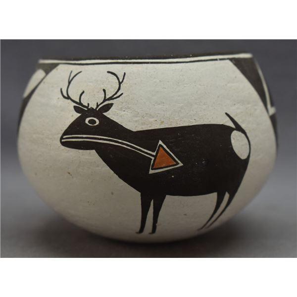 ACOMA INDIAN POTTERY JAR (EMMA LEWIS)