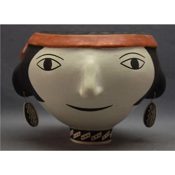ACOMA INDIAN POTTERY HEAD ( WANDA ARAGON)