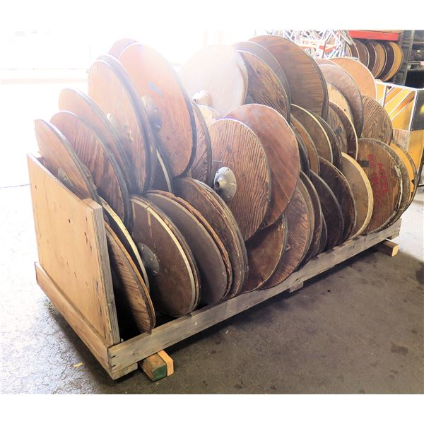 """Qty Approx. 100 Round Table Tops 30"""" Diameter"""