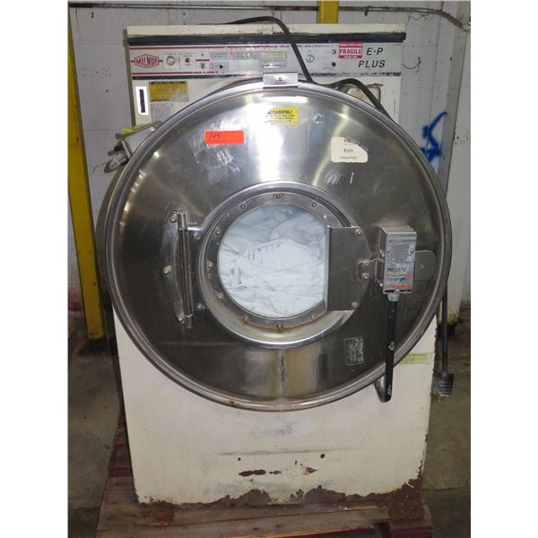 Milnor E-P Plus Commercial Front Loading Washer 30022M5J (door catch stuck)