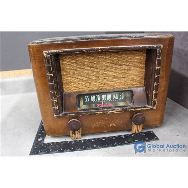 RCA Victor Wooden Radio - Model BT-44
